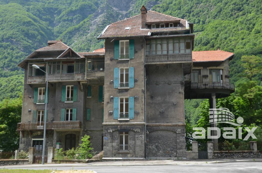 La mansión del thriller de Kossovitz a la venta
